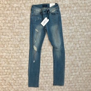 NWT just USA medium light wash pencil leg jeans